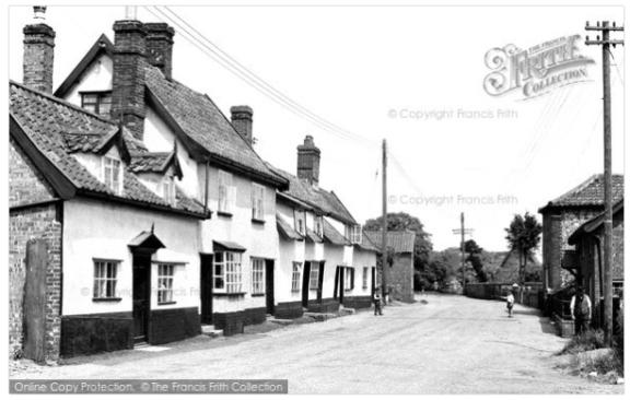 MainStreetMetfield1950s